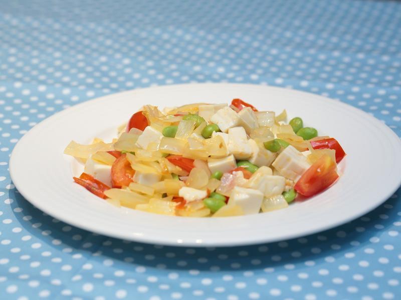 夏日平衡血糖食譜 - 洋蔥蕃茄炒豆腐
