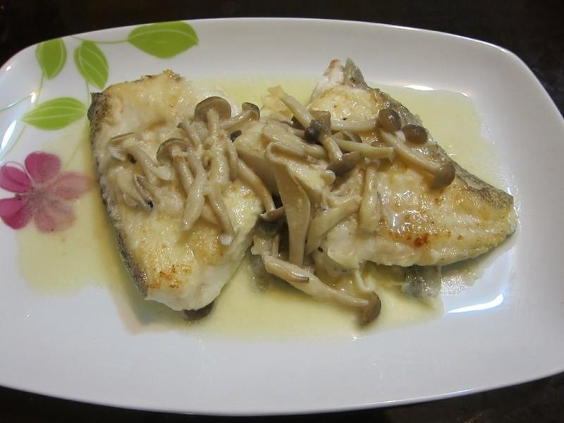 懶人妻的超簡單料理~「奶油蘑菇煎鱈魚」