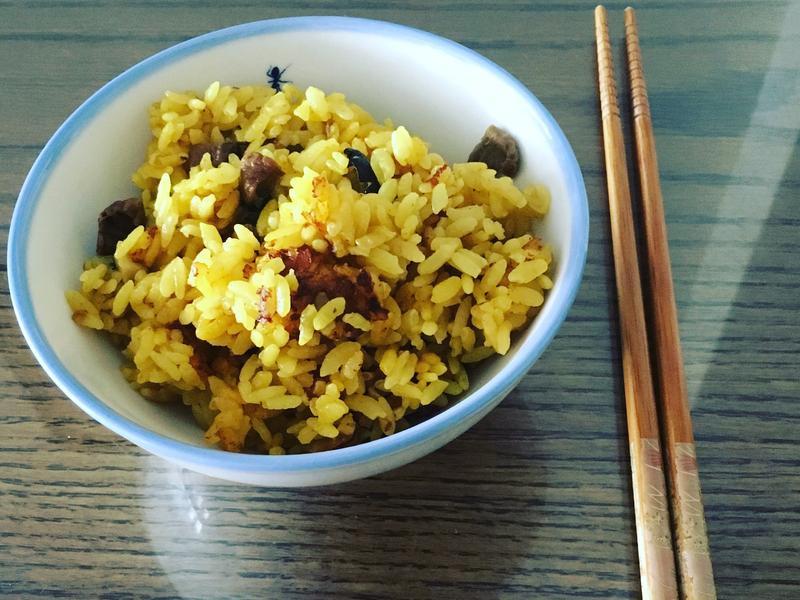 薑黃菇菇牛肉絲炊飯