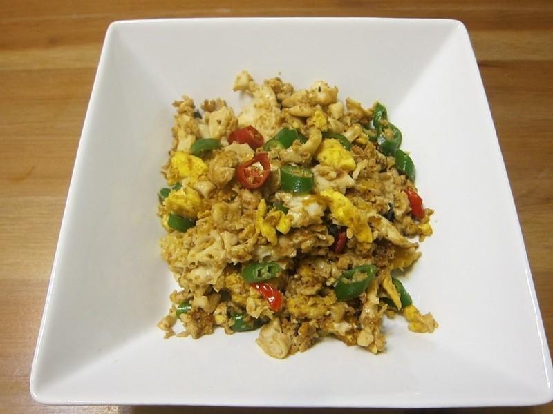 懶人妻的超簡單料理~「辣椒炒蛋」