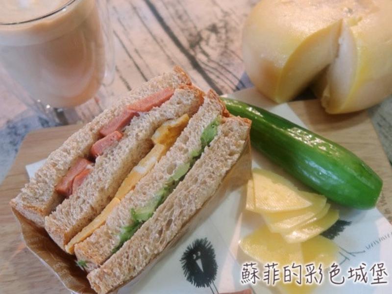 『美味全麥三明治』擁有豐富層次的營養早餐