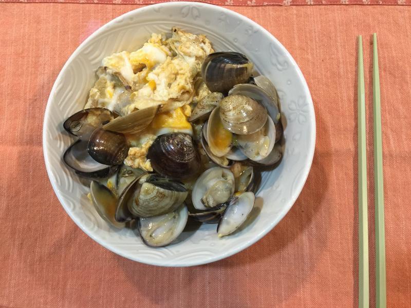 蛤蜊蛋蓋飯