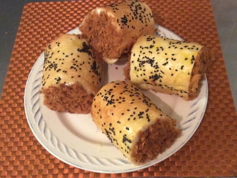 肉鬆麵包卷