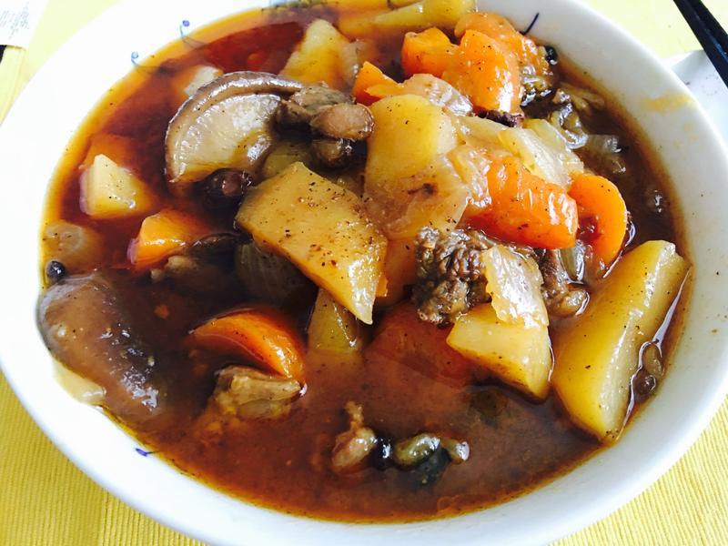 红萝卜土豆炖牛肉
