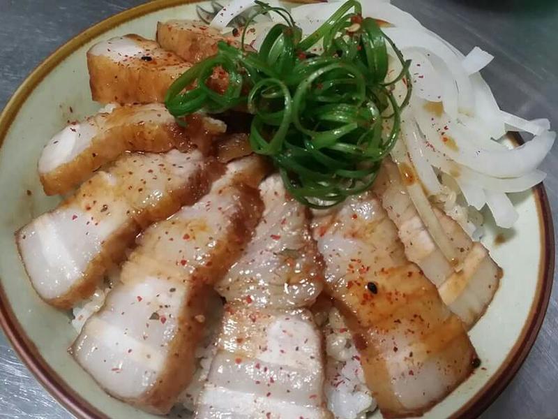 日式叉燒豬肉蓋飯♡