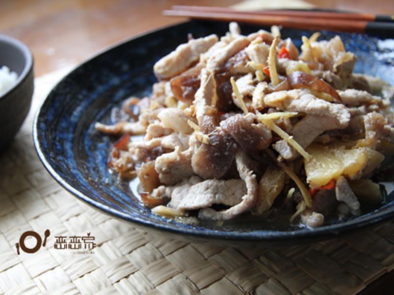 奶奶的私房菜:鳳梨木耳炒肉絲by戀戀家
