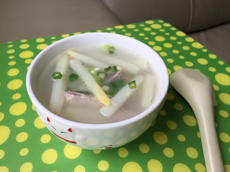 (白)蘆筍排骨湯