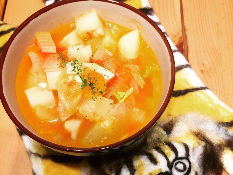 蕃茄馬鈴薯蔬菜湯