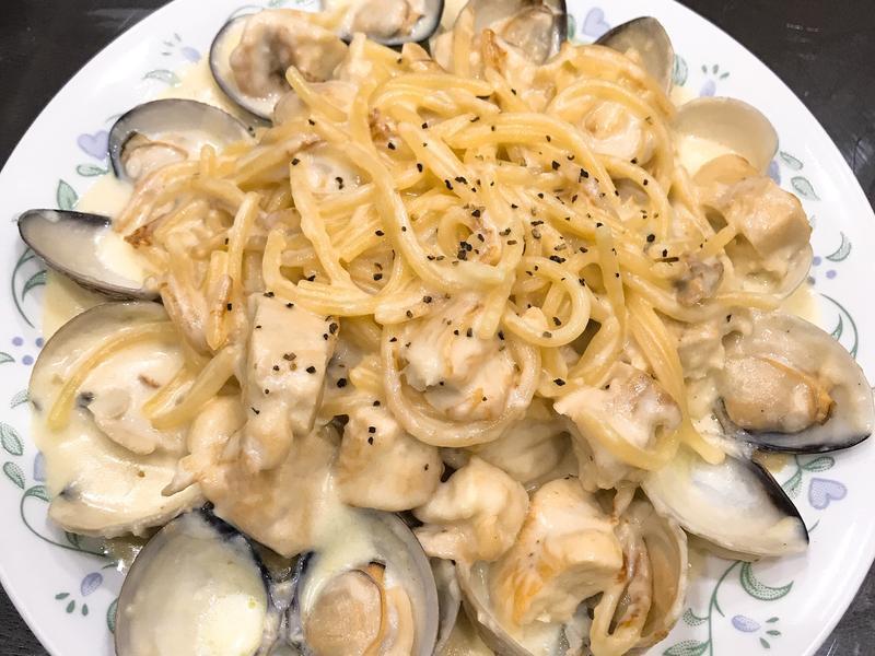 雞肉蛤蜊奶油義大利麵