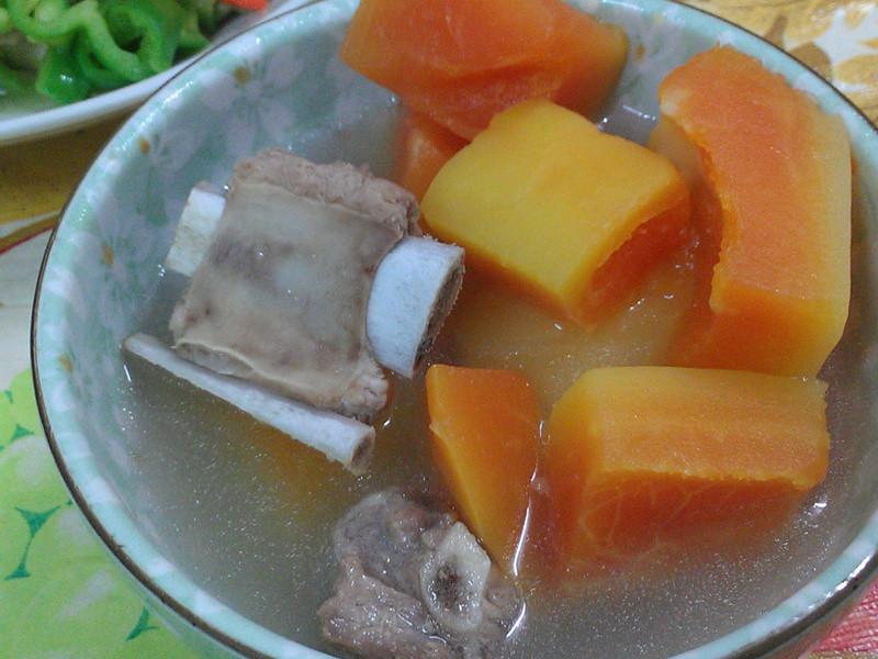 ㄚ曼達的廚房~青木瓜排骨湯