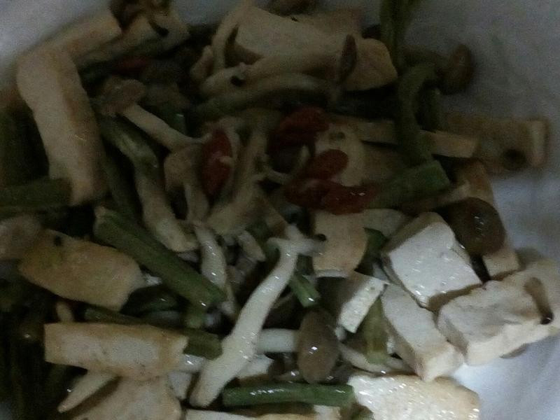 紅禧菇炒白豆乾