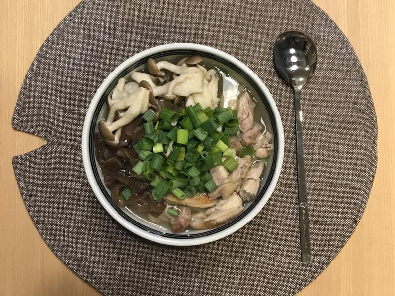 感冒退散的菇菇雞蔥湯飯