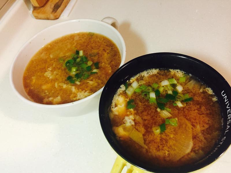 豬肉蛋味增湯(簡單新手清冰箱料理)