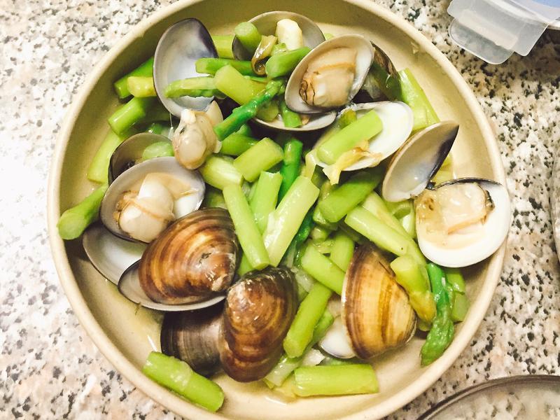 清炒蘆筍蛤蜊