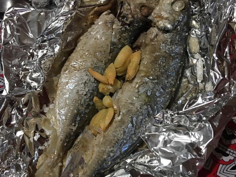 蒜烤竹莢魚
