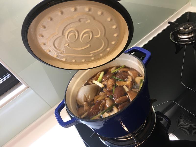 鑄鐵鍋可樂滷肉