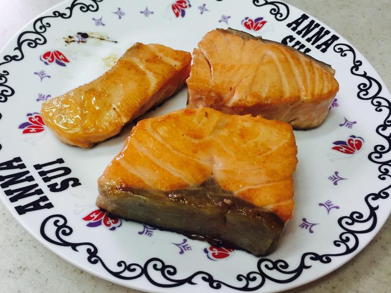 香煎奶油蜜糖鮭魚