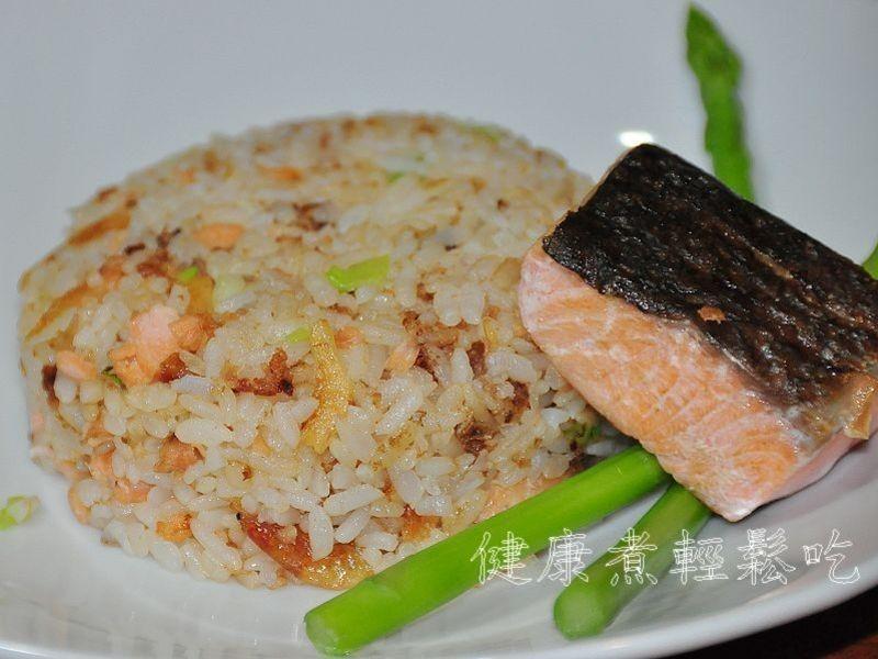 櫻花蝦鮭魚炒飯