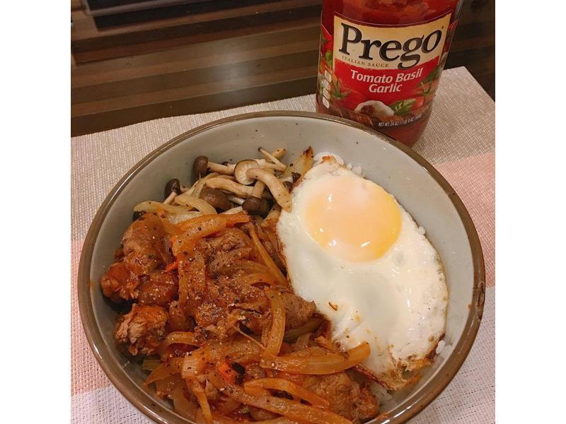 番茄羅勒牛肉丼 【Prego義大利麵醬】