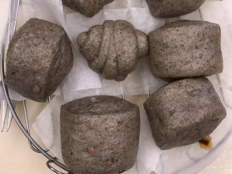饅頭挑戰賽👌🏻芝麻黑饅頭