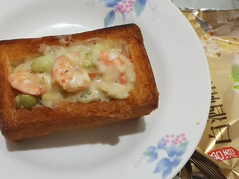 白醬海鮮棺材板   [白酒帕式達]