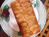 經典的蘋果翻轉蛋糕