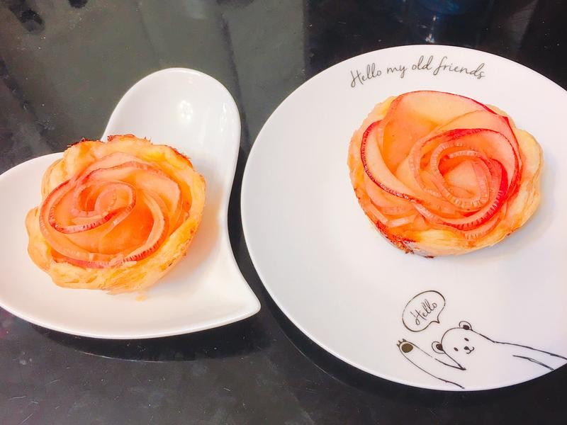 玫瑰花蘋果捲酥皮塔