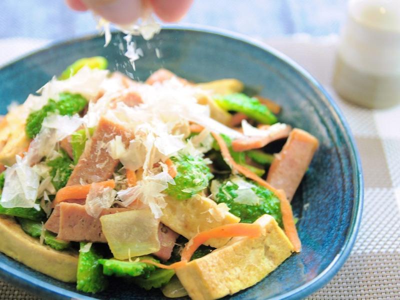 沖繩料理:炒苦瓜