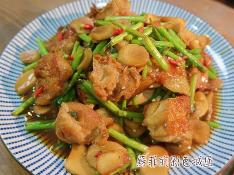 『醬燒杏包菇雞腿排』美味的便當菜色