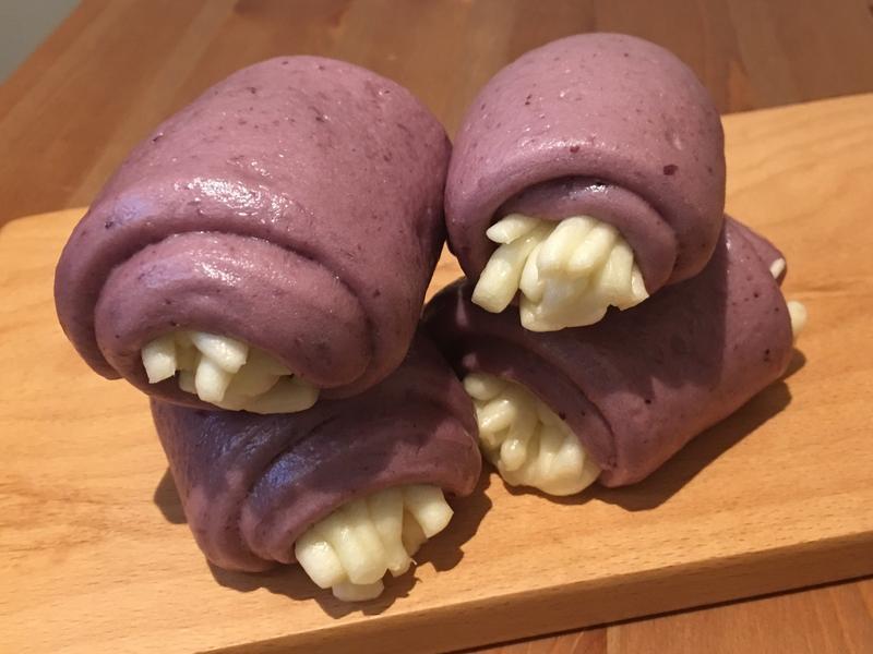 【寶寶食譜】葡萄牛奶銀絲捲
