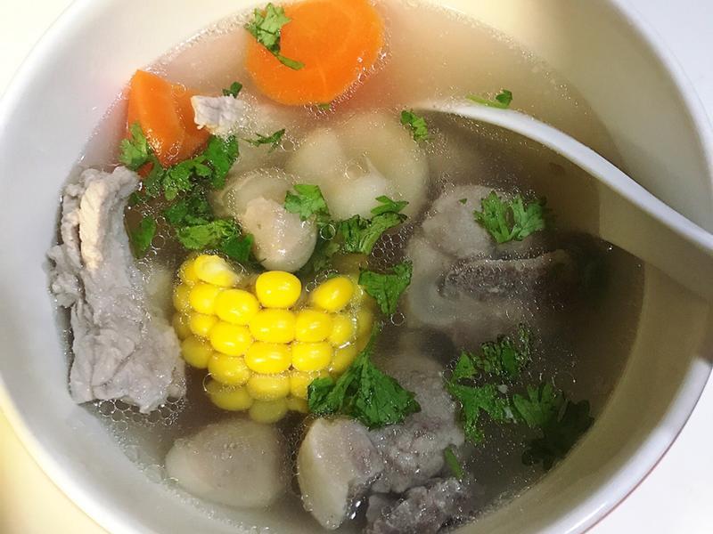 [電鍋料理]菱角排骨湯