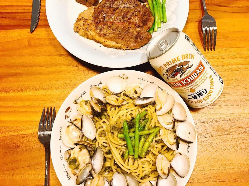 《青醬蛤蜊義大利麵》