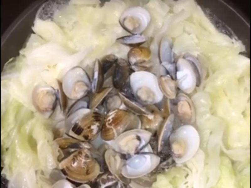 蛤蜊蒸高麗菜