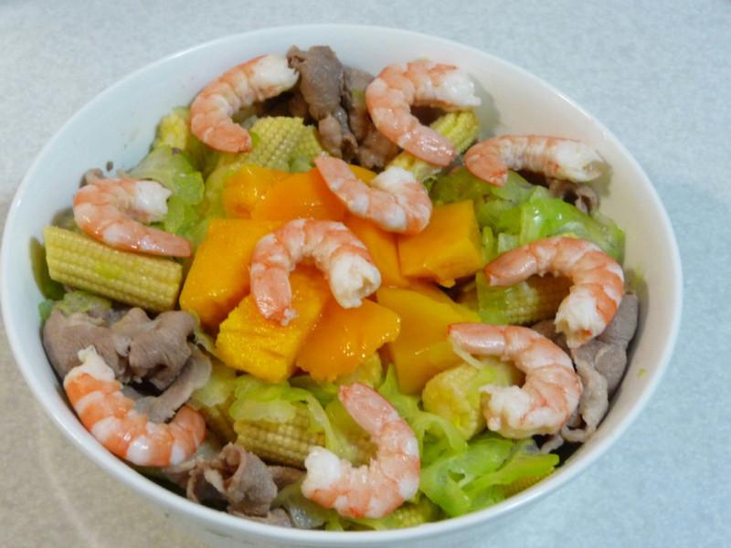 蝦肉蔬果沙拉