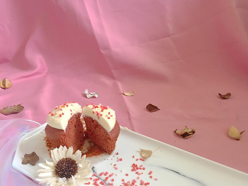 紅絲絨杯子蛋糕