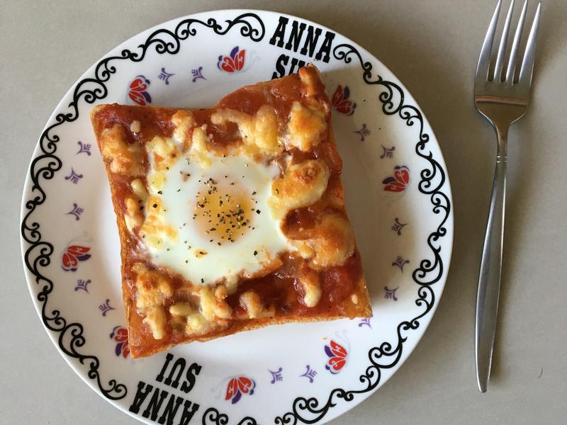 番茄焗烤太陽蛋吐司