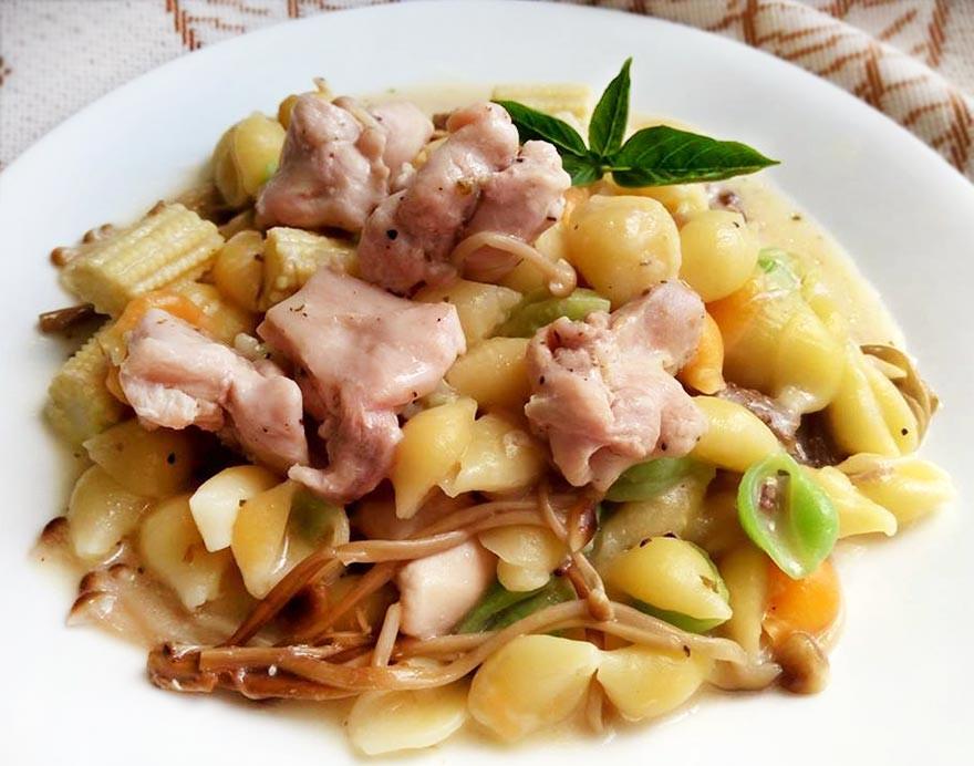 白醬菇雞義大利麵♥電鍋煮義大利麵