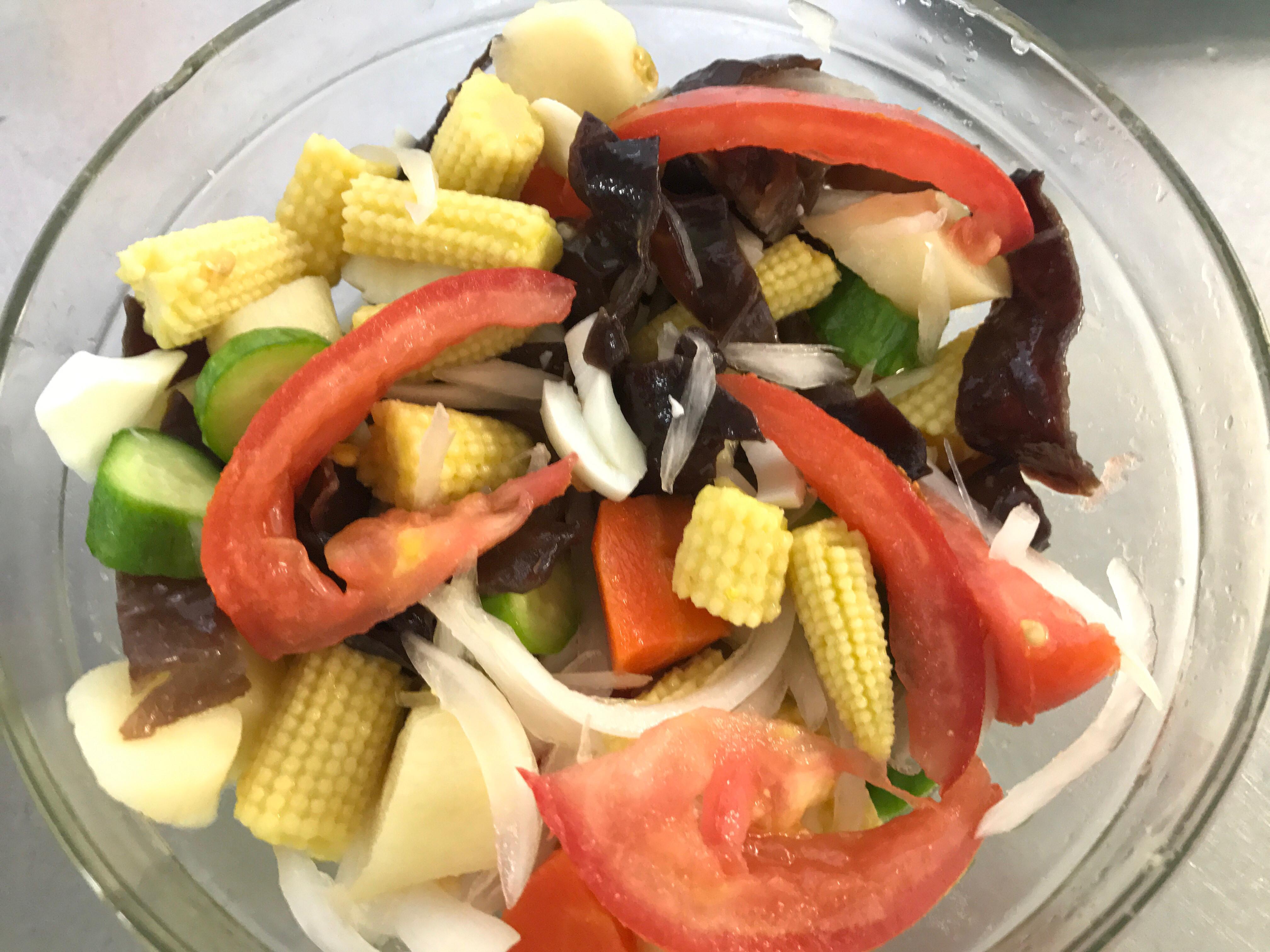 夏日涼拌綜合蔬菜