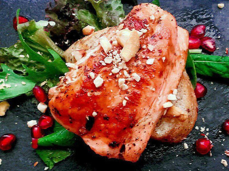 紅石榴鮭魚沙拉
