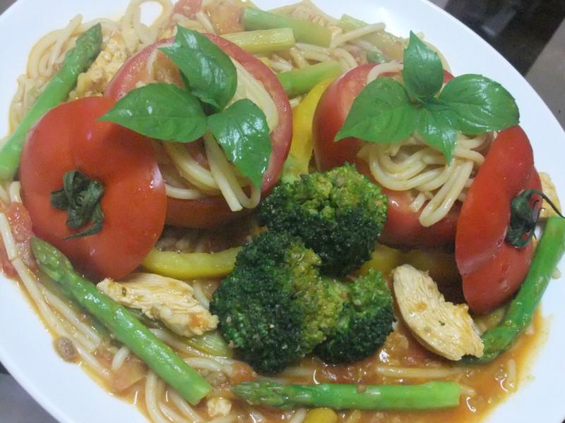 【十分輕鬆料理DIY】奶油茄紅鮮蔬義大利麵