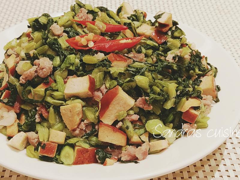 雪菜豆干丁炒肉末