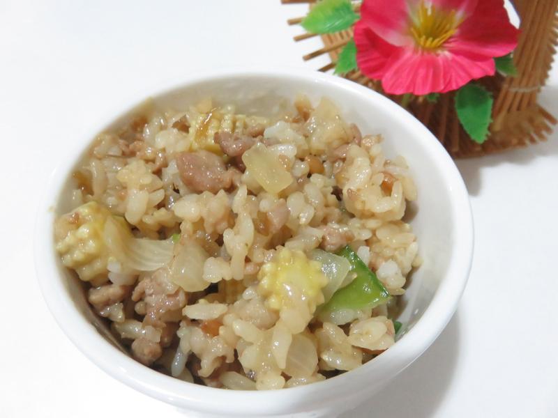 甜豆洋蔥玉米筍豬肉炒飯