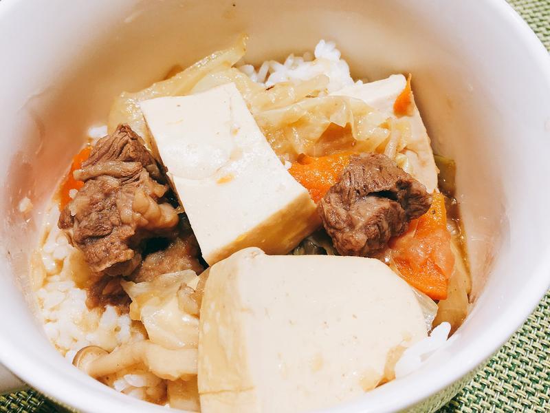牛肉燉豆腐鍋