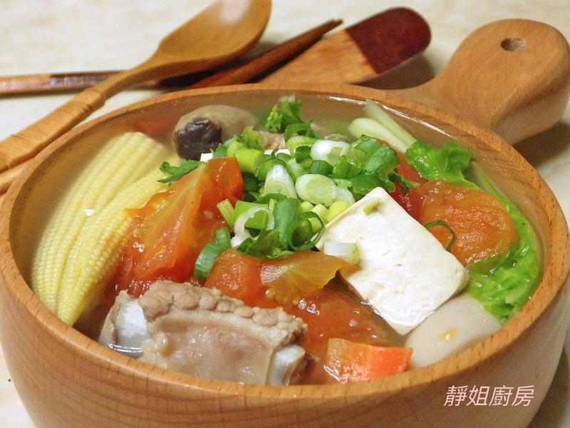 蕃茄排骨豆腐湯