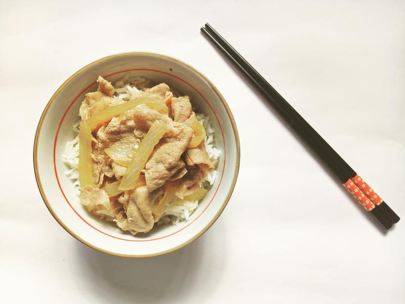 日式洋葱豚肉飯