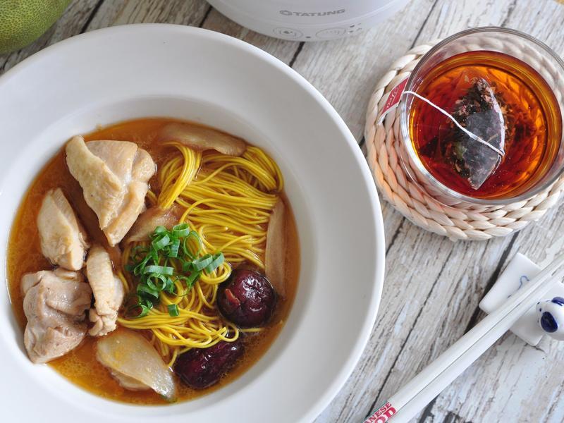 麻油雞薑黃麵線