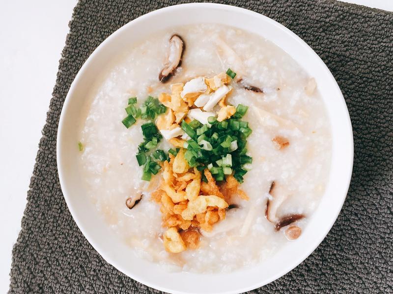 鹹蛋菇菇粥