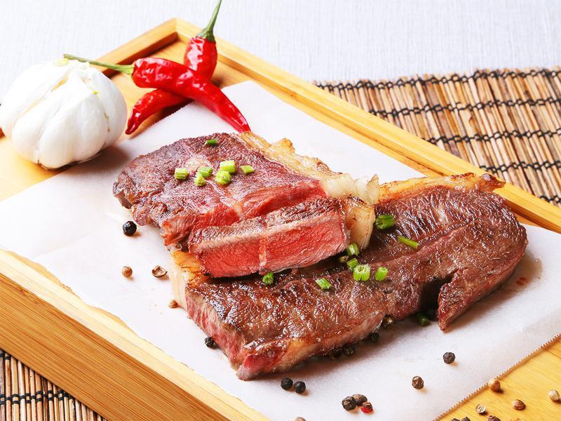 【五星主廚料理】香煎奶油板腱牛排