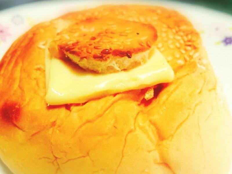 鮪魚玉米小漢堡
