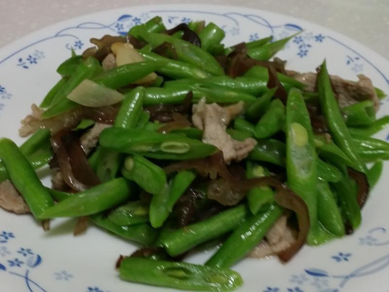 四季豆炒木耳絲
